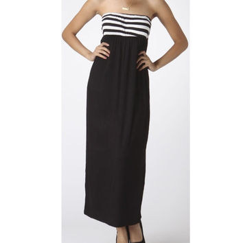 In Style Strapless Black/White Maxi Dress