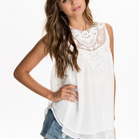 PALLA TOP - sleeveless white embroidered top