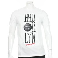 Tee Shirt Hip Hop University Brooklyn Blanc - LaBoutiqueOfficielle.com