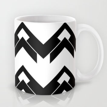 chevron pattern in black and white Mug by VanessaGF