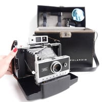 Polaroid Automatic 250 Land Camera  Vintage by MaejeanVINTAGE