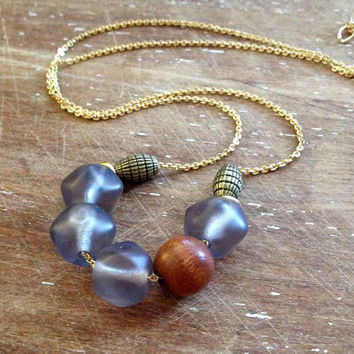 wood and gray beaded necklace // gold chain necklace // layering necklace // chunky beaded necklace // boho chic necklace