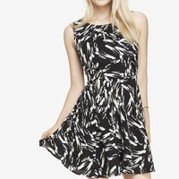 PRINTED PLEATED KEYHOLE FIT AND FLARE DRESS
