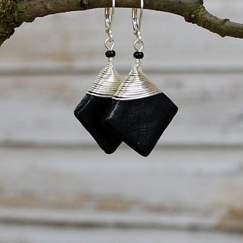 Simple black earring. Black and silver wire wrap earrings. Black drop earrings. Leverback earrings. Classical black square earring.