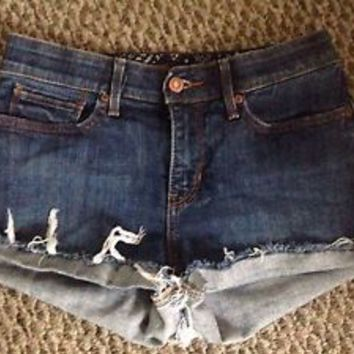 Levis Medium Rise High Waist Shorts Size 2 27""