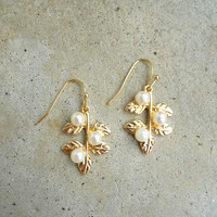 Leaf & Pearl Earrings [5922] - $8.10 : Vintage Inspired Clothing & Affordable Dresses, deloom | Modern. Vintage. Crafted.