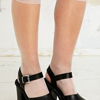 Long Sheer Pop Socks in White - Urban Outfitters