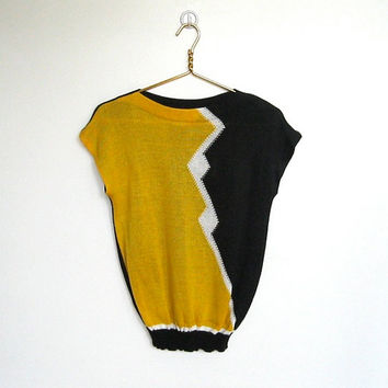 SALE Vintage 1980s New Wave / Devon Black and Yellow Knit Sleeveless Sweater / Jumper