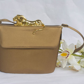 80's Nima Gold Tone Resting Lion Crossbody Purse Vintage