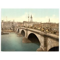 1890s photo London Bridge, London, England. Photochrom (also called the Aac process) prints are colo