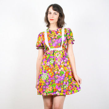Vintage Hippie Mini Dress Bright Psychedelic Floral Print Eyelet Lace Bib Dolly Hippie Dress Sundress Empire Waist Lolita Micro Mini S Small