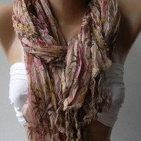 Soft Flowers Elegance Shawl // Scarf by womann on Etsy