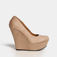 Suede Wedge Pumps in Taupe