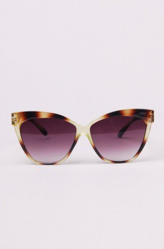 Cesia Cat Eye Sunglasses in Green