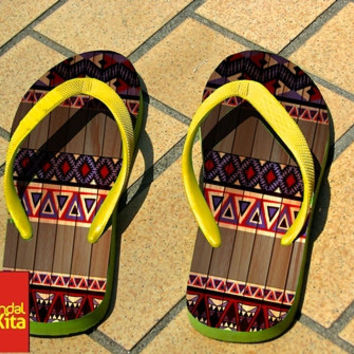 Flip Flops - Simple Aztec on Wood