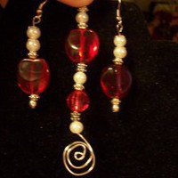 Red &amp; White Earring &amp; Pendant Set