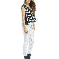Lace Back Chevron Tee | Wet Seal