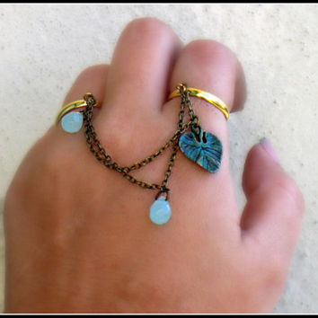 lilly pad and blue drops double ring, charm ring, cute ring, connected rings, gold rings, vintage style