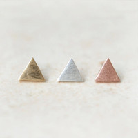 Tiny textured triangle earrings / choose your color / gold, silver and pink gold