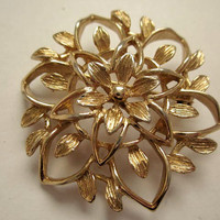 Sarah Coventry Brooch 1970s  Gold Floral Pin