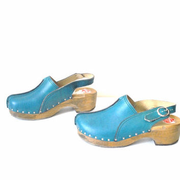 size 7.5 wooden platform clogs / vintage BOHO wood platforms HIPPIE chic teal sling back Sweedish clog sandals