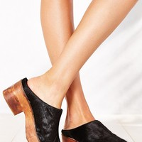 Ecote Pony Hair Platform Mule - Urban Outfitters