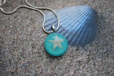 NaturalPrettyThings | Real Starfish Necklace turquoise Aqua Resin Necklace Deep Green Ocean Star Specimen Beautiful Beach Wear