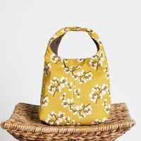 Insulated Lunch Bag - Apricot Blossoms