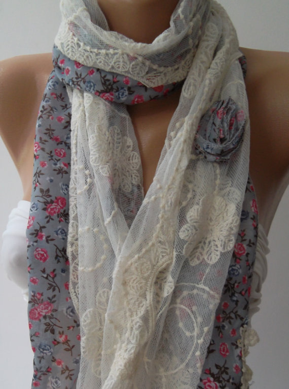 Elegance Shawl // Scarf with Lace Edge...