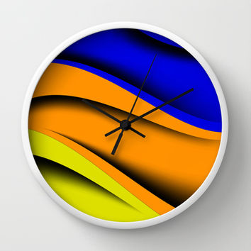 Transverse Flow Wall Clock by Texnotropio