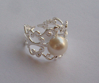 The Hunger Games Inspired peeta's pearl ring,silver/golcen/brass,you can choose,