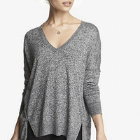 MARLED V-NECK DOUBLE ZIP VENT TUNIC SWEATER from EXPRESS
