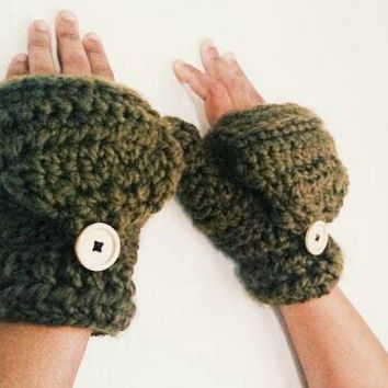 Warm wool convertible mittens, Fingerless gloves in dark green - Women's winter mittens - Crochet gloves