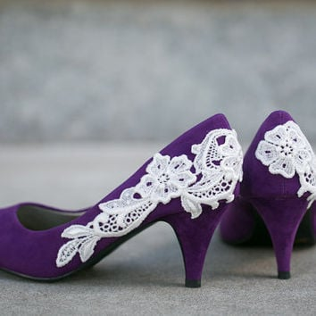 Purple Bridal Shoes with Venise Lace Applique. Size 9