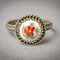 Vintage filigree ring, porcelain cabachon with elegant floral decor Size 6