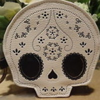 NWT Loungefly White & Black Lace Skull Appliqued Coin Purse