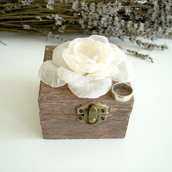 Rustic Wedding Ring Holder, Wedding Ring Box, Small  Wooden Box, Brown  Engagement  Ring  Box,   Rustic Ring Bearer Box Ivory Flower