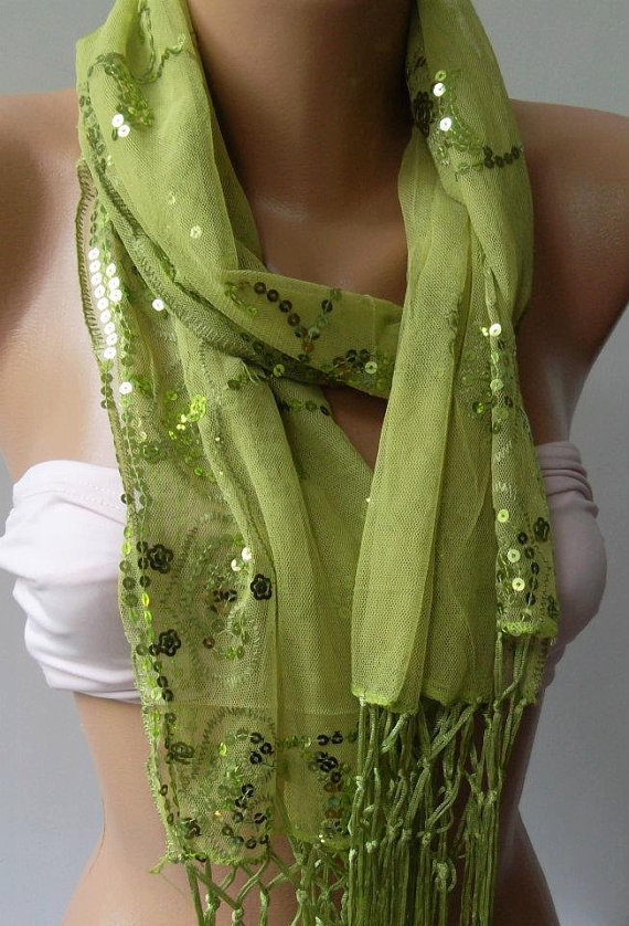 Green --- Elegance Shawl / Scarf with Lace Edge...