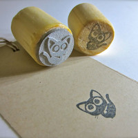 "Small Black Cat Rubber Stamp - Round 3/4"" or 2.2cm on Reclaimed Wood Mount"