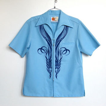 Mens Vintage 1970s Iolani Hawaii / Light Blue Zip Up Hawaiian Shirt / Tiki Print