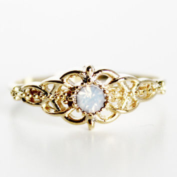 Moonstone Filigree Ring - Gold