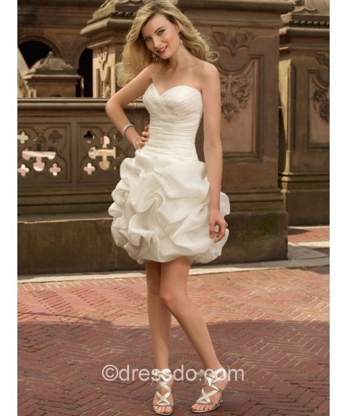 [US$ 109.99] Strapless Sweetheart Sexy Ivory Short/Mini Ball Gown Sleeveless Taffeta Zipper Up Wedding Dress