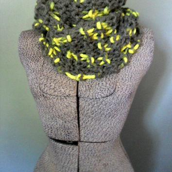 Neon Yellow Chunky Cowl Scarf, Chunky Knit Infinity Scarf, Neon Yellow Trendy Winter Scarf