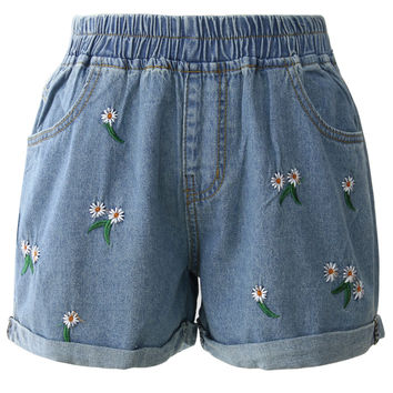 Cheering Daisy Embroidered Denim Shorts Blue