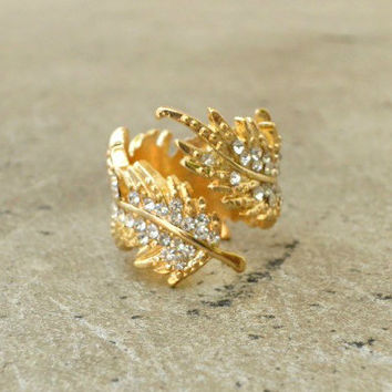 Sparkling Feather Ring [2548] - $16.00 : Vintage Inspired Clothing & Affordable Summer Dresses, deloom | Modern. Vintage. Crafted.