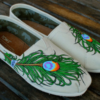 Wavy Peacock Feather TOMS
