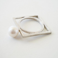 white pearl wedding ring, sterling silver rectangle ring, fresh water pearl