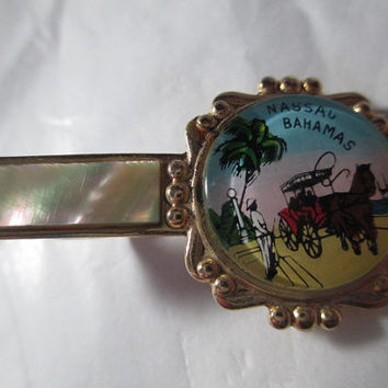 Vintage Souvenir of Nassau Bahamas Tie Clip Clasp Mother of Pearl Men's Jewelry Mid Century Scene