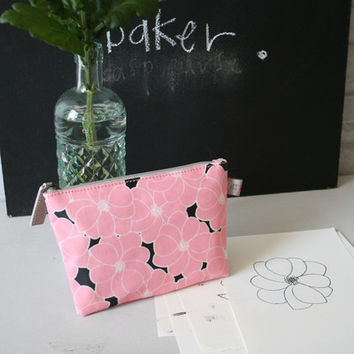 Betty & Walter | Pencil Cases | Flat Purse | Small Makeup Bag | Blue Ladies Floral Pencil Case - Betty & Walter | Geranium Chalky Pink