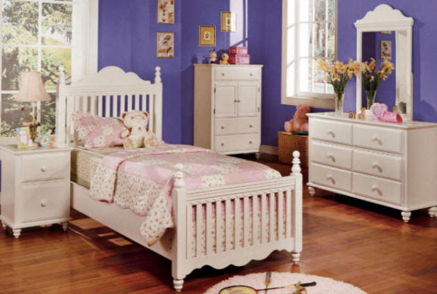 Suzannah Twin Bed